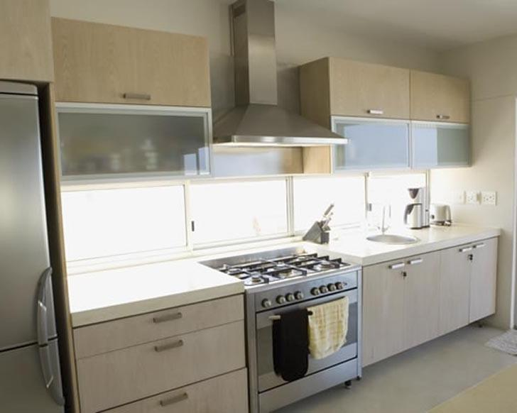 Galley Kitchens Design - Taste and Efficiency in Narrow Spaces .