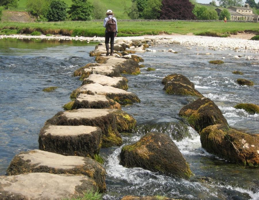 File:Stepping stones 3.jpg