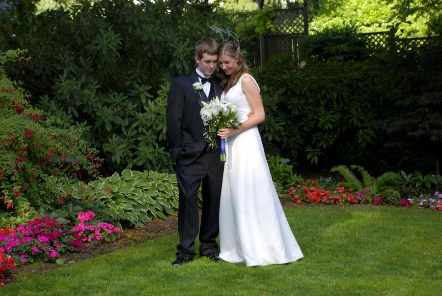 Bride Surprised Deaf Groom By Signing Song  Simplemost
