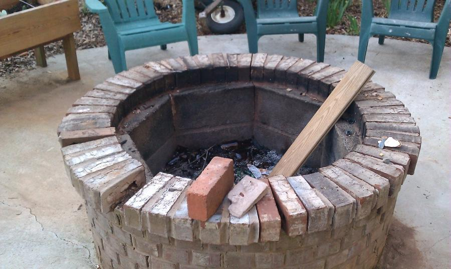 Brick firepit outside photo for Brick fire pit construction