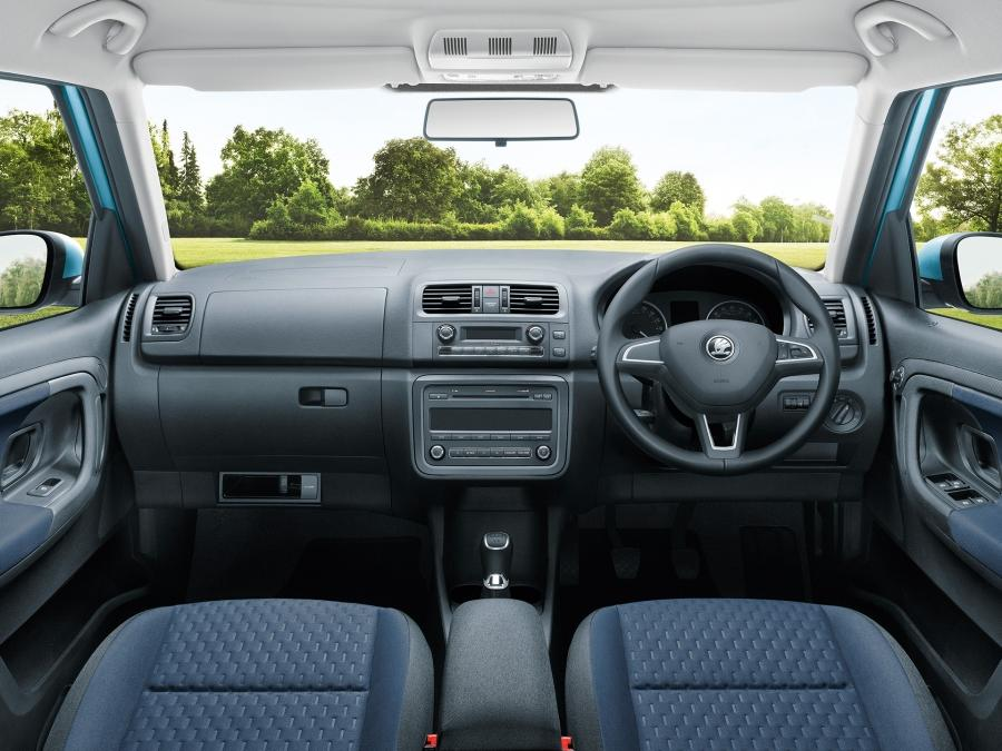 SKODA Roomster Dashboard and Multi-functional Steering Wheel