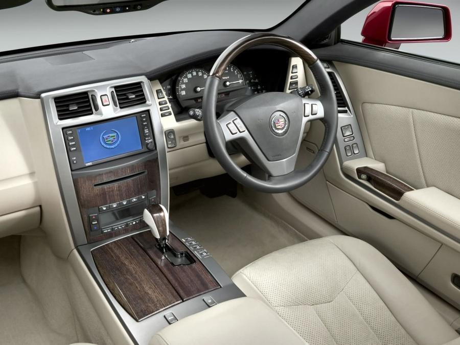 2005 Cadillac Deville Interior Photos