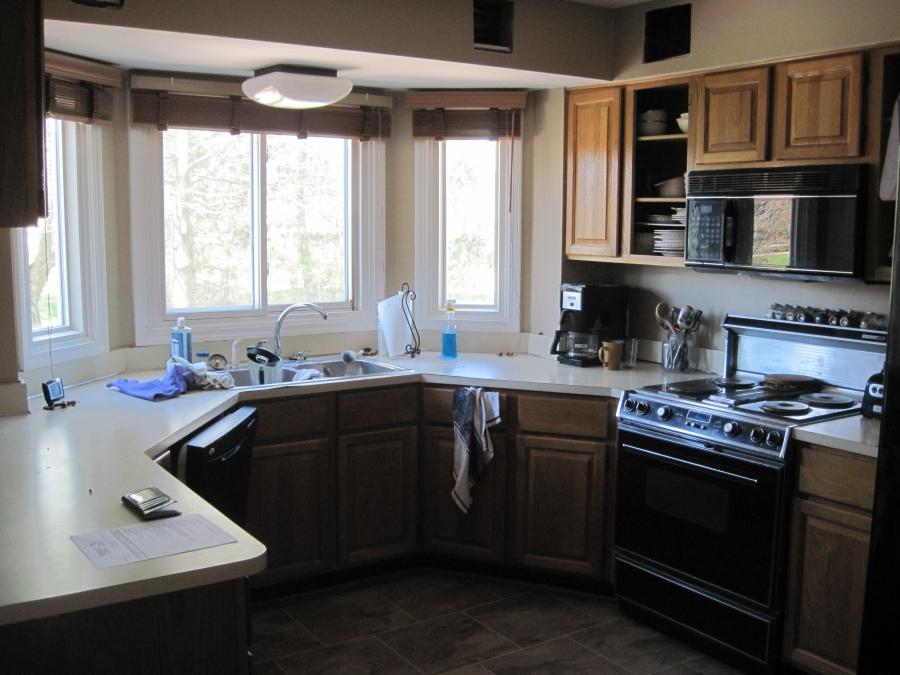 Photos of updated kitchens for Diy kitchen cabinets refacing ideas