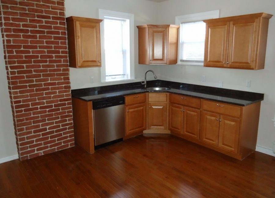 File:Newly renovated kitchen with hardwood floor.jpg