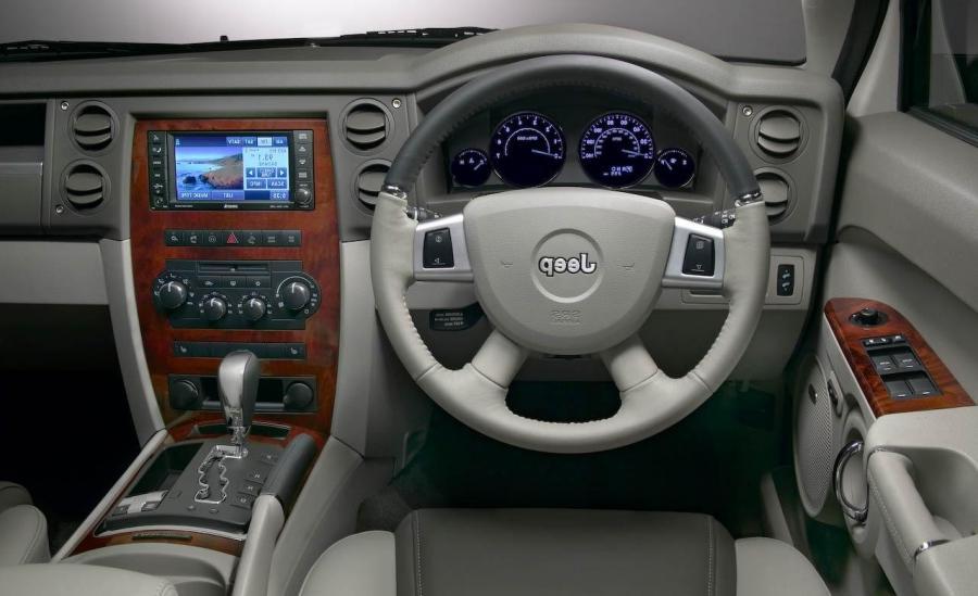 Jeep Commander Interior Photo