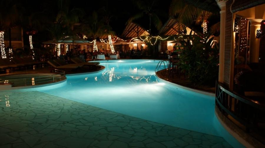 Veranda Palmar Hotel pool at night