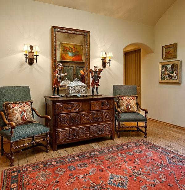 Spanish Colonial Rug Photo