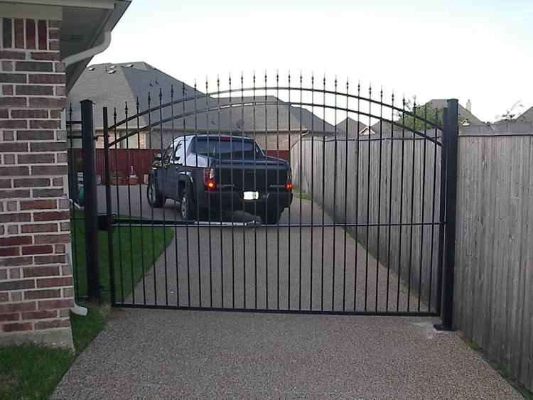 Iron residential gates photos