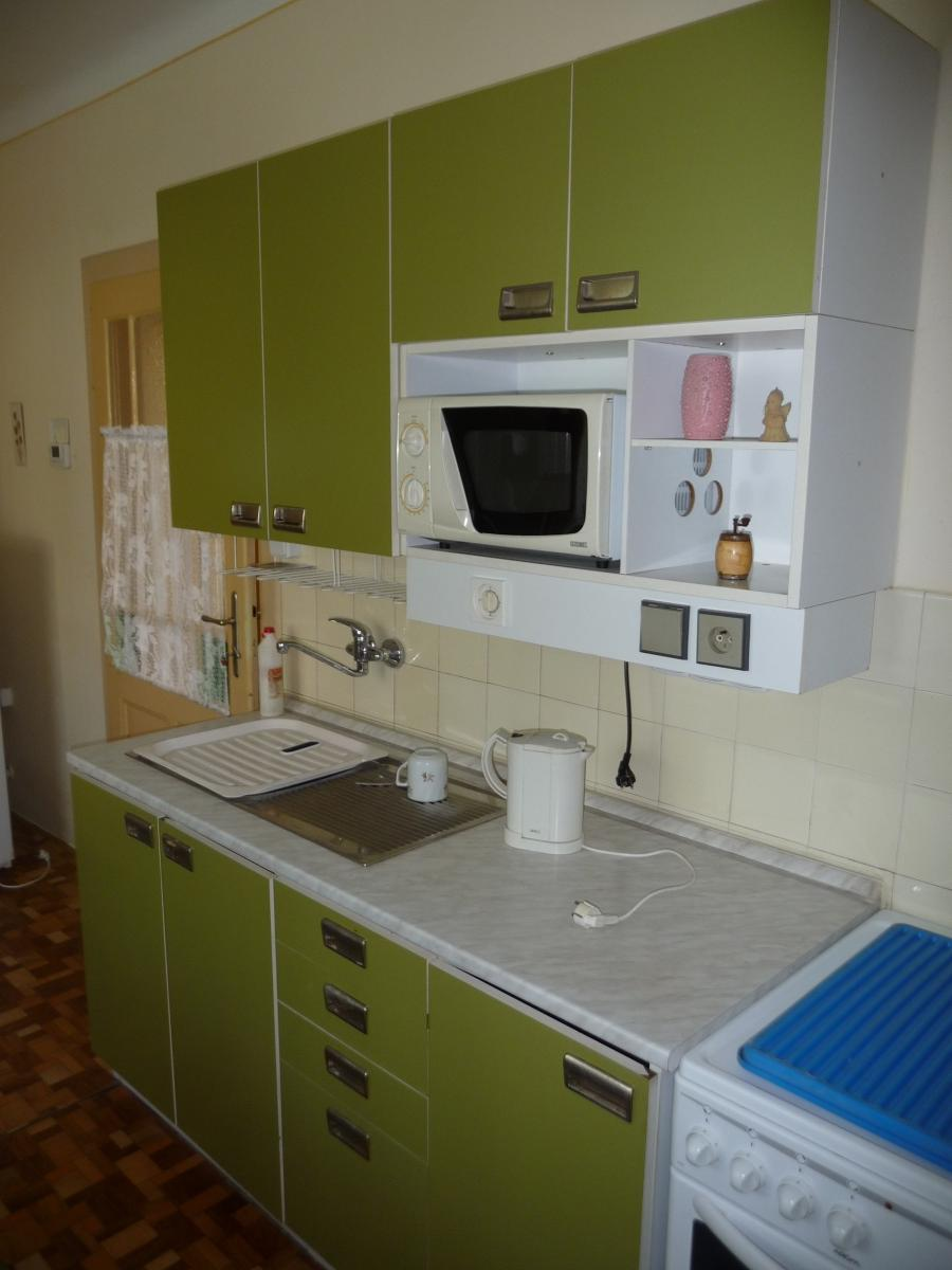 File:Green kitchen cabinet (1).jpg