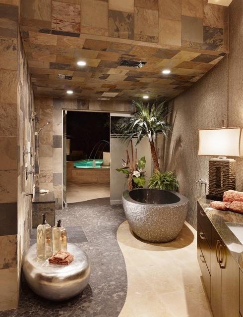 Spanish bathrooms photos