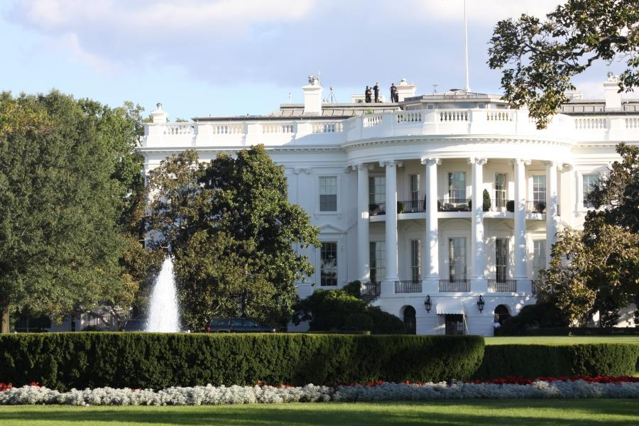 essays on the white house The white house claude mckay , 1889 - 1948 your door is shut against my tightened face, and i am sharp as steel with discontent but i possess the courage and the grace to bear my anger proudly and unbent.