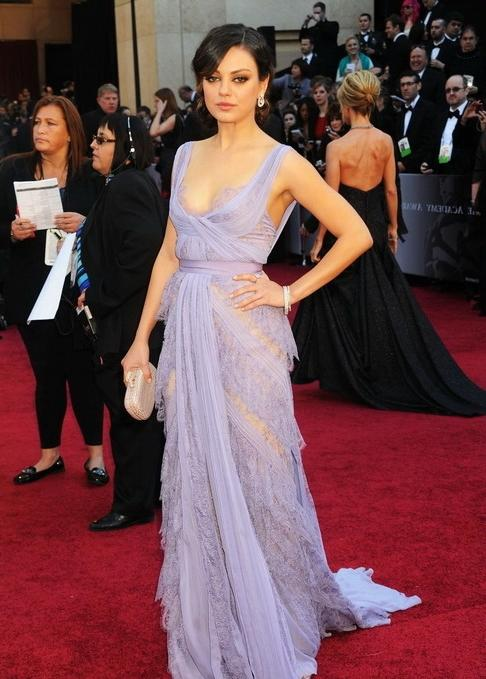 Mila kunis at Oscars 2011 Red Carpet 150x150 Cate Blanchett at...