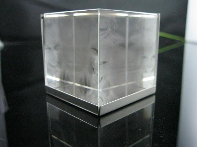 glass cube photo frame