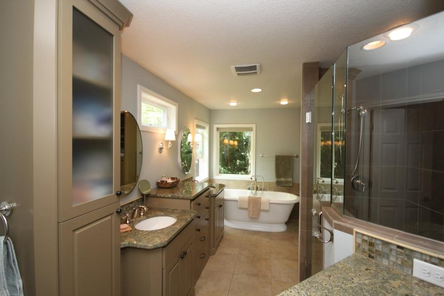 Photos master bathrooms for Master bathrooms without bathtubs