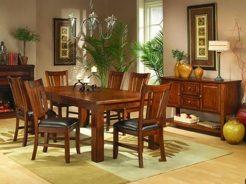 Photos of decorated dining room tables for Formal dining table centerpiece ideas