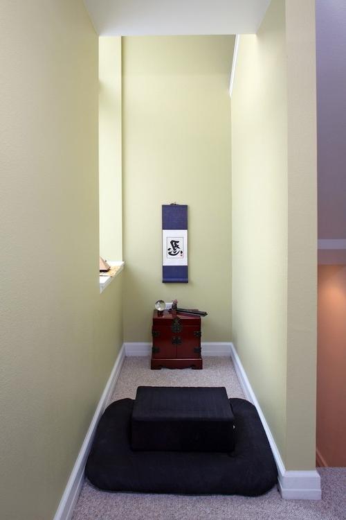 setting up a meditation room photos