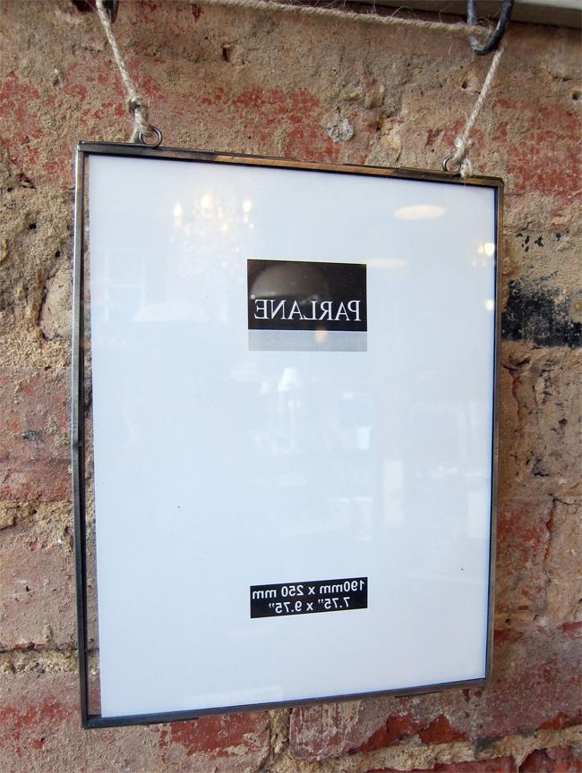 D Glass Frame