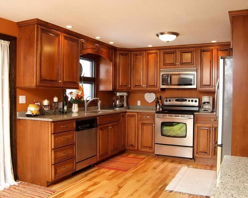Best Colors to Paint a Kitchen With Hardwood Floors