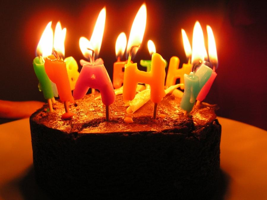 Burning Birthday Cake 2018 Images Pictures Birthday Cake With