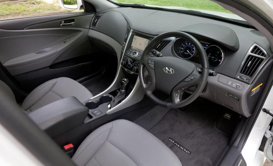 2011 Hyundai Sonata Hybrid Interior Photos