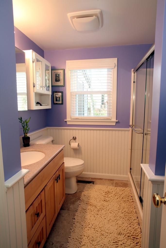 Small bathroom renovation photos for Bathroom renovation inspiration