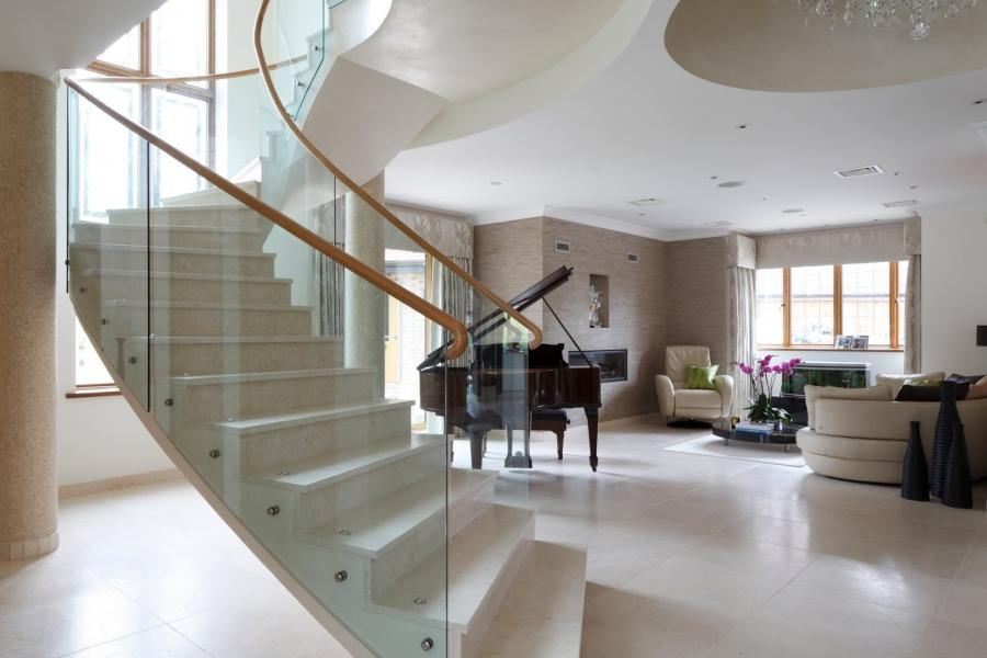 This recent photo shoot in North London that I designed was taken...