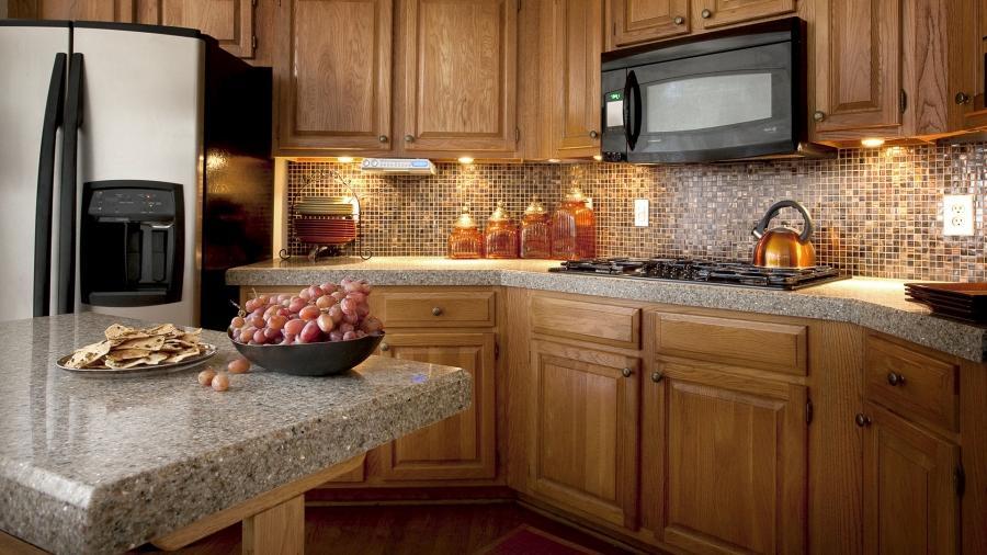 photos of kitchen countertops and backsplashes