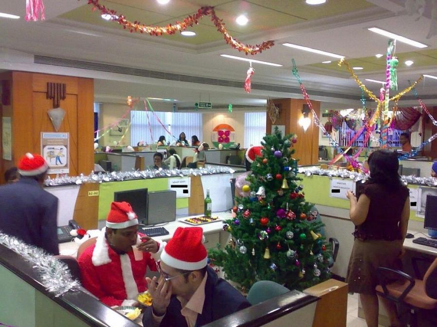 Photos Of Office Christmas Decorations