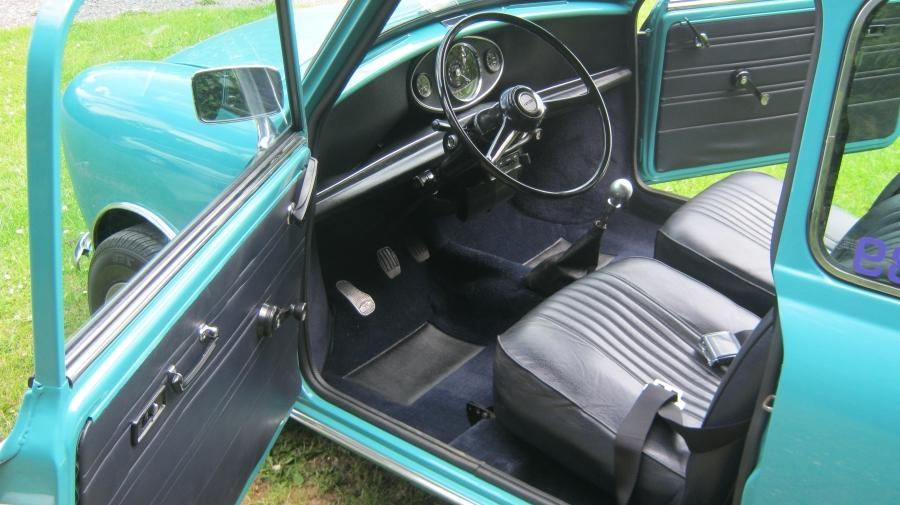 Classic Mini, Black Interior