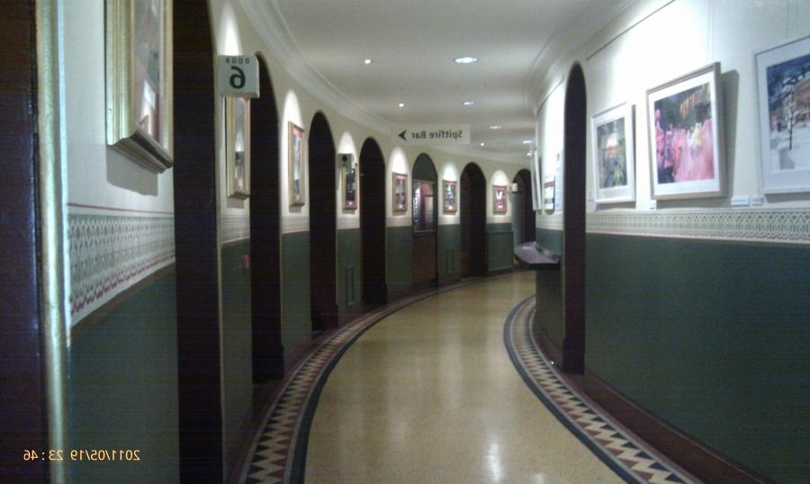 File:Amphi Corridor Royal Albert Hall.jpg