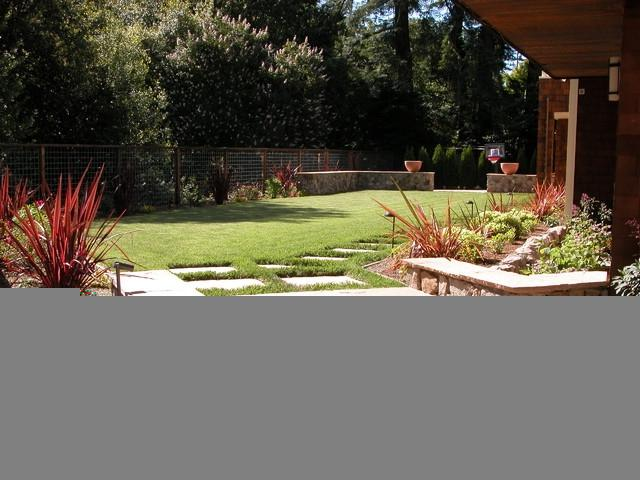 Modern landscape gardens photos for Garden design mill valley