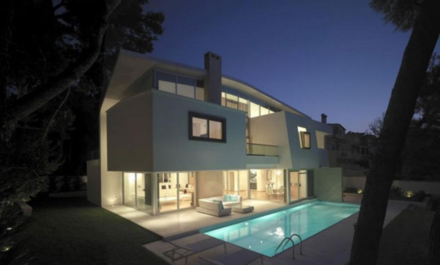 Contemporary House in Athens, Elegant Design for Suburb Homes