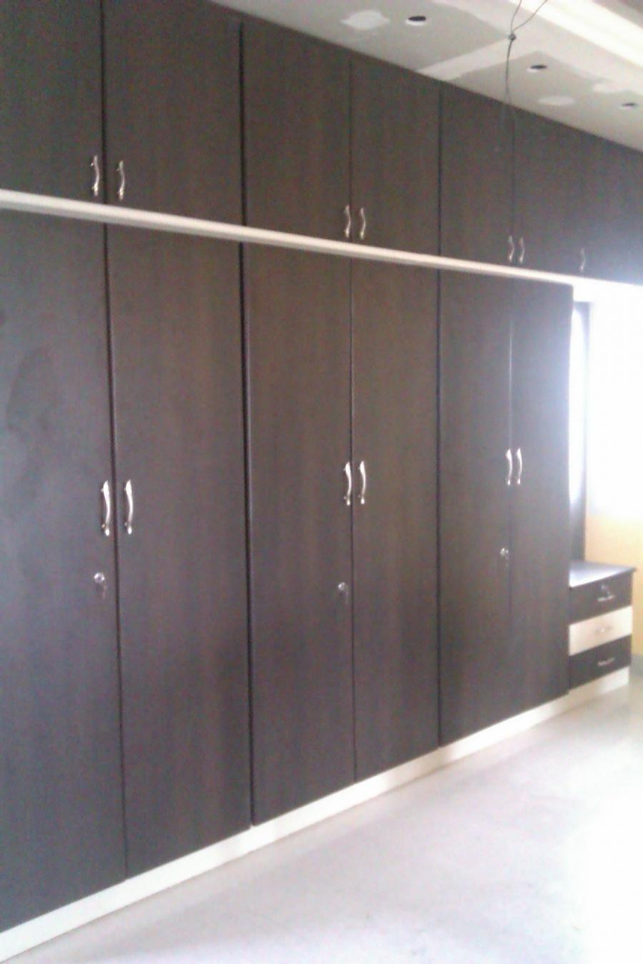 Wardrobe designs photos bangalore for Kitchen sunmica design