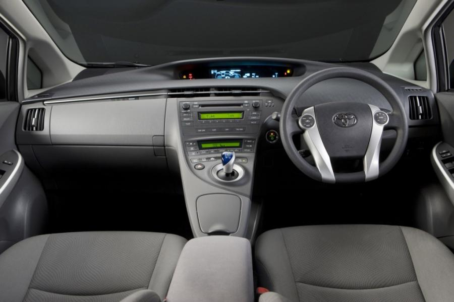 2009 Prius Interior Photos