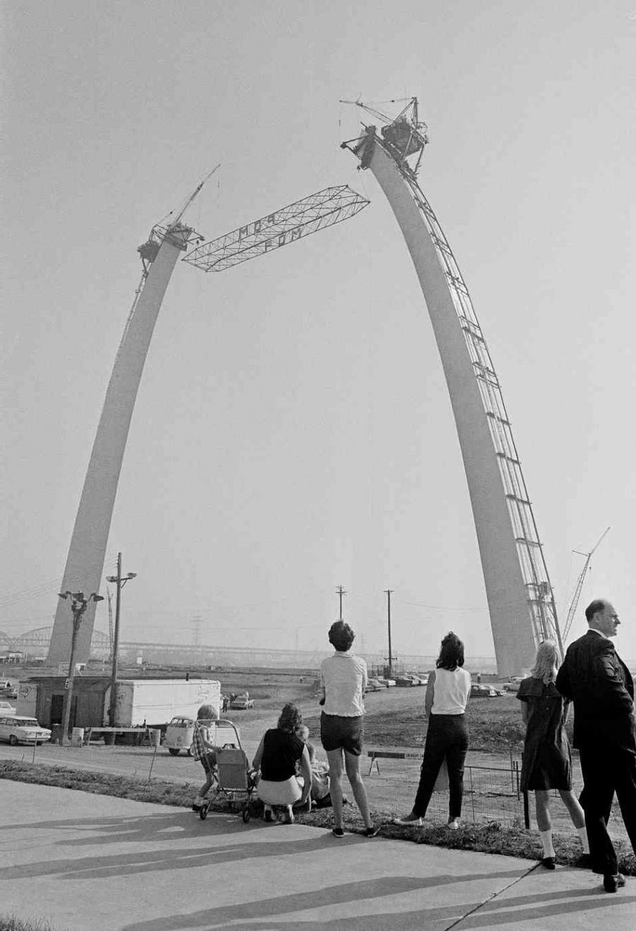 st louis arch construction photos