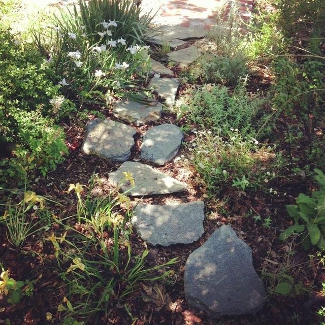 Photos stone gardens landscape for Landscaping rocks sacramento