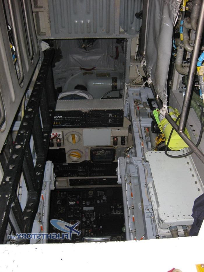 b 52 interior photos