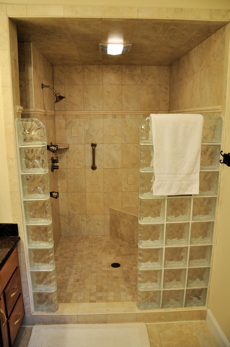 Ideas for bathroom showers photos for Simple master bathroom ideas