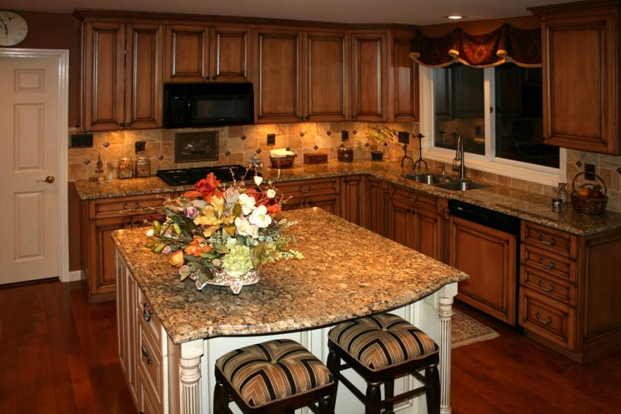 Photos of kitchens with maple cabinets for Cheap kitchen cabinets st louis