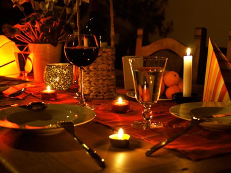 candle light dinner photos. Black Bedroom Furniture Sets. Home Design Ideas