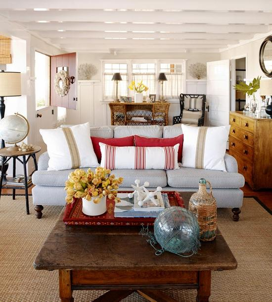 Casual Elegance At Lakeside Hideaway: Photos Of Beach House Interiors
