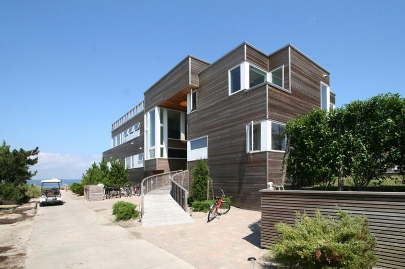 Bayfront House on Fire Island, New York Designed by Resolution: 4...