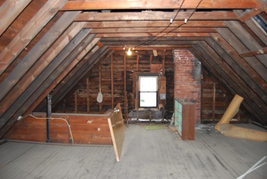File:Century House Attic West.JPG
