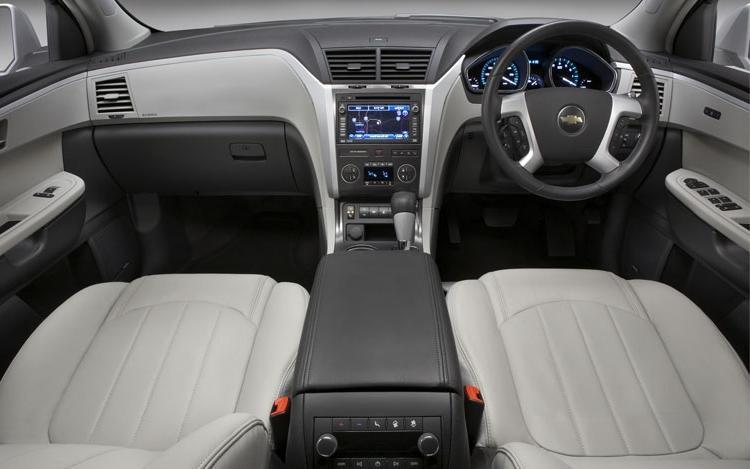 2009 Chevy Traverse Interior Photos