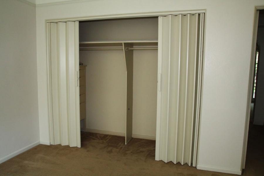 Photos Folding Closet Doors
