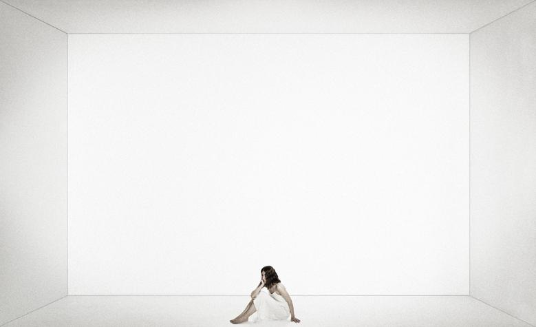 ... The White Room (Undersized) < ...