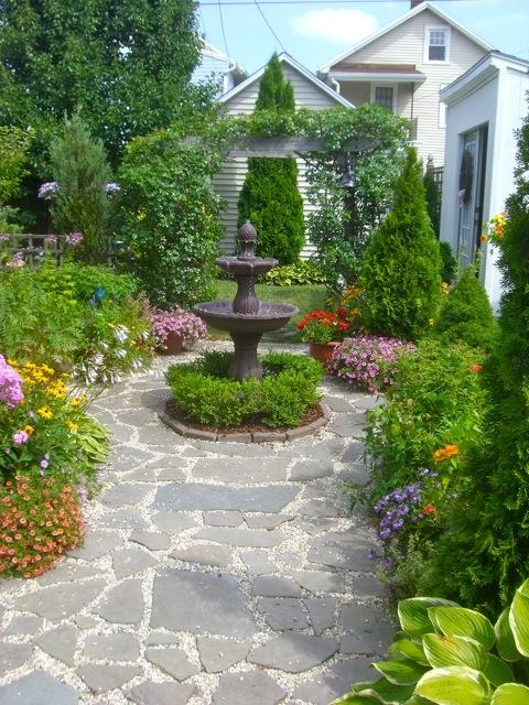 small formal gardens photos