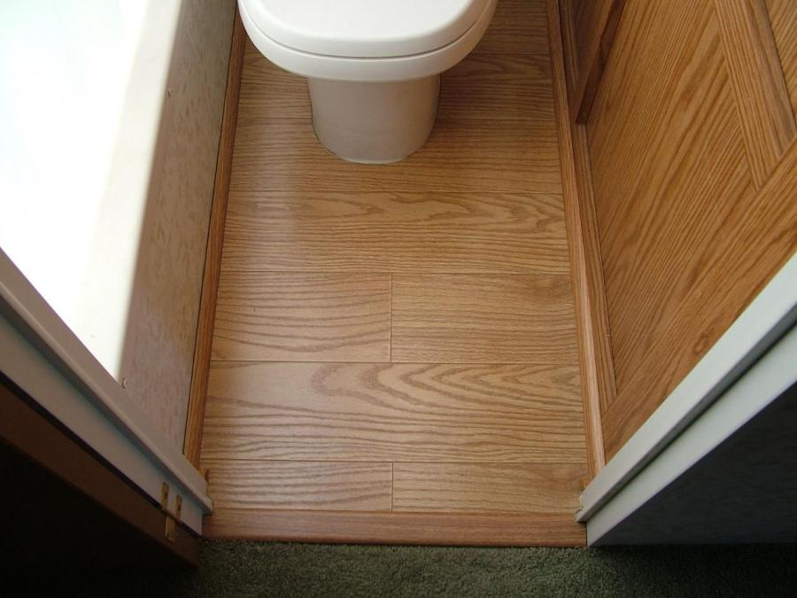 Throne room laminate and trim example