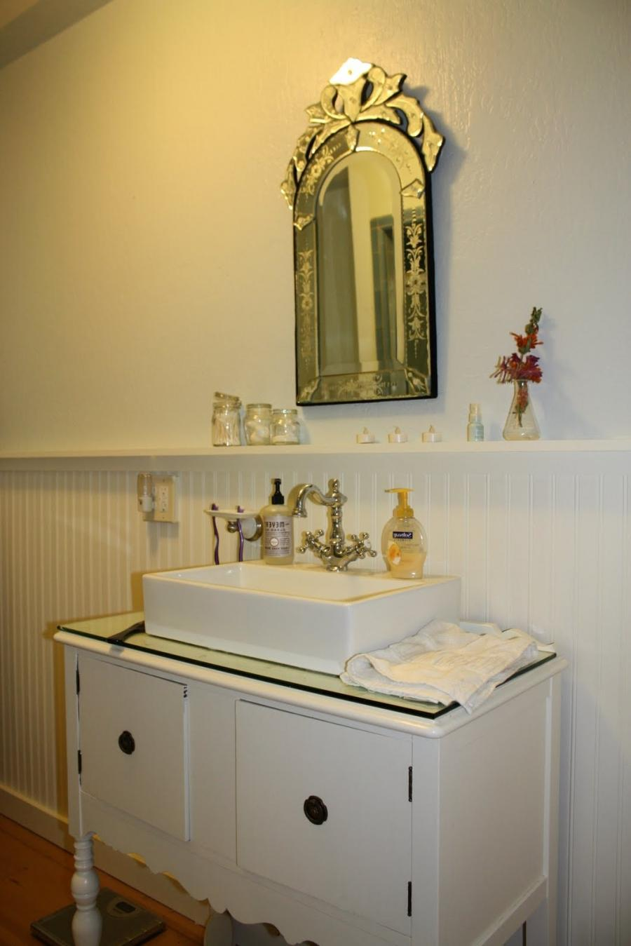 Bathroom remodeling wainscoat photos - Bathroom remodel ideas with wainscoting ...