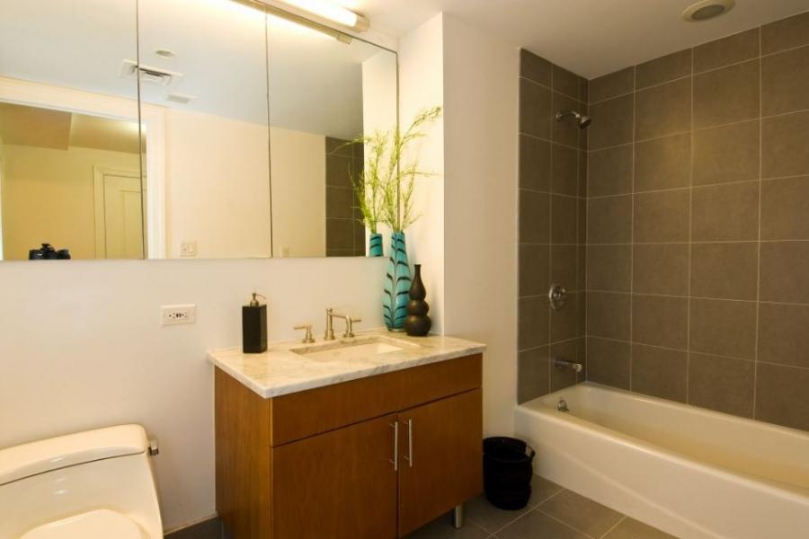 Simple bathroom photos for Real simple bathroom ideas